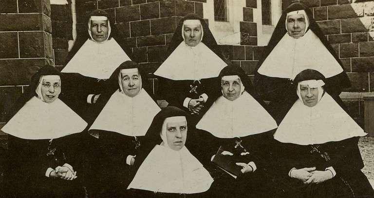 Pioneer-Sisters-1903-4